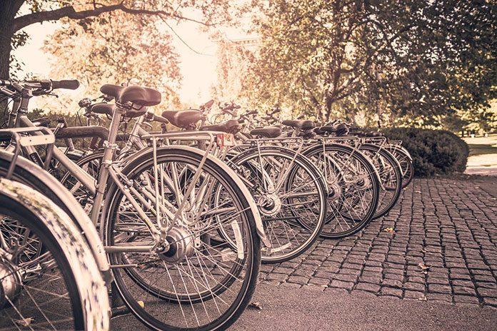 Stojaki rowerowe - na co warto zwrócić uwagę?