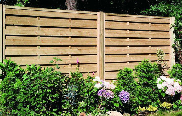 Płoty drewniane – jak wybrać najlepsze ogrodzenie z drewna?