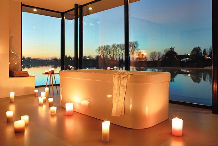 Odpręż się w domowym zaciszu. Radzimy jak wybrać idealną wannę do relaksujących kąpieli