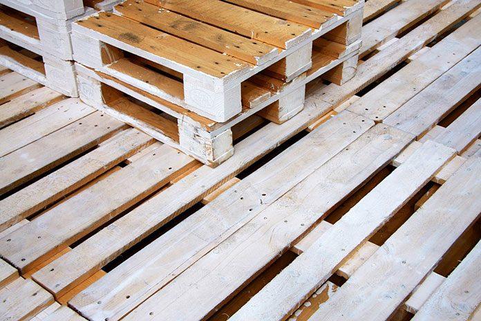 Drewniane palety są doskonałe nie tylko w transporcie i na budowie, mają również wiele zastosowań w aranżacji wnętrz