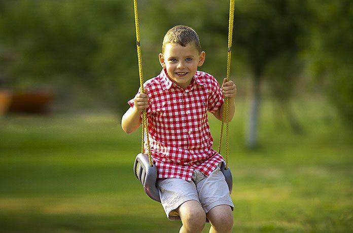 Jak zrobić bezpieczny plac zabaw dla dzieci?