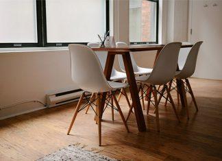 Nowoczesne krzesła w jadalni, czyli łączenie klasyki z nowoczesnością