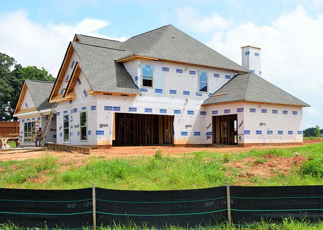 Sprzedaż domu w stanie surowym