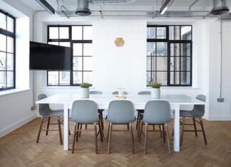 Designerskie drewniane krzesła do jadalni