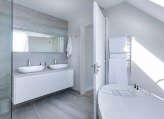 salon z łazienkami